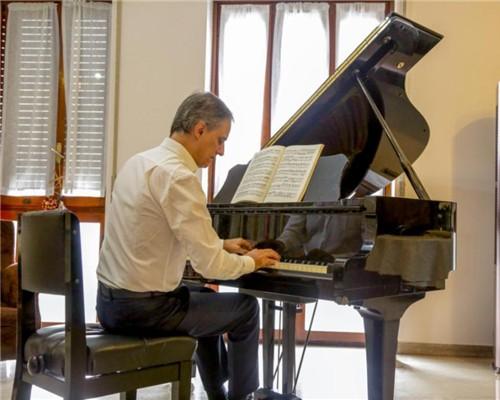 钢琴家只关注音乐?这位意大利钢琴家更关注健康空气